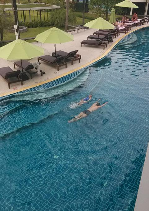 图片: Holiday Inn 包场游泳