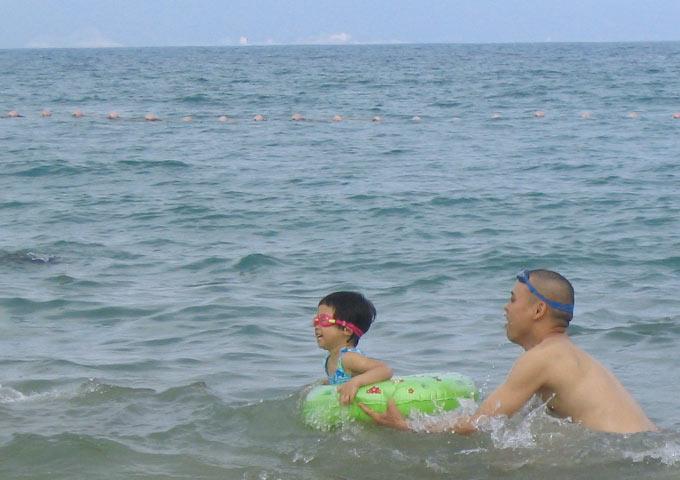 图片: 深圳西冲游泳