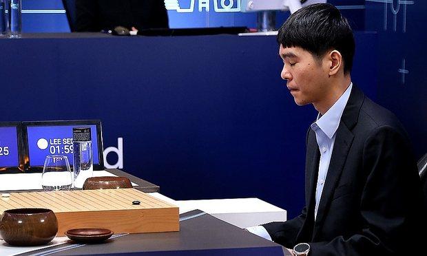 图片:  李世石与 AlphaGo 对战中
