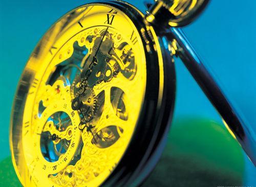 如何自制时间机器穿梭时空