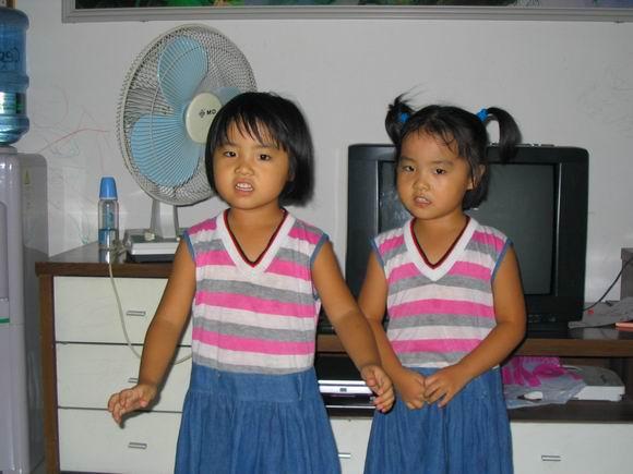 深圳朋友的双胞胎姐妹