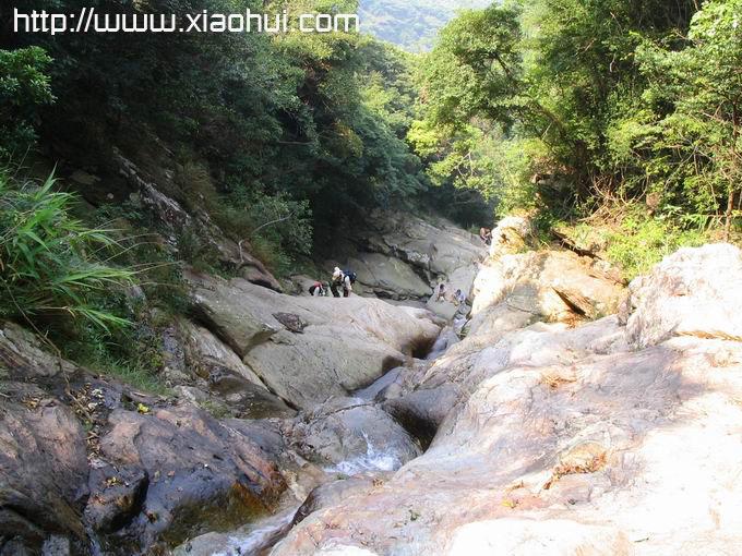 深圳梧桐山: 山中幽谷