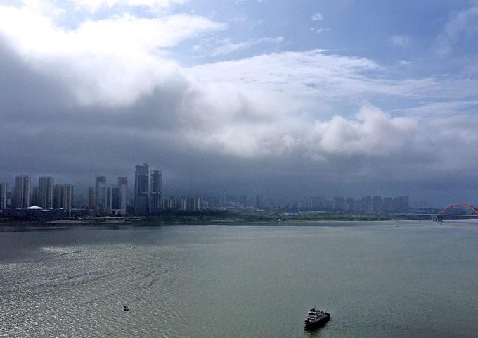 湘江三角洲上的云卷云舒